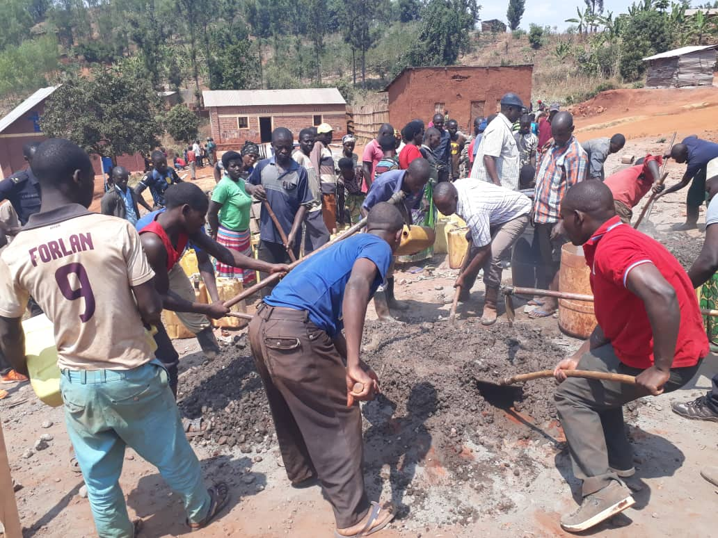 Mumeya Leaders Lay Foundation For A New Elementary School.